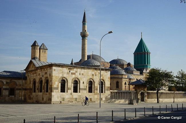 Mevlana-Müzesi-ve-Türbesi-Konya-1-1024×681